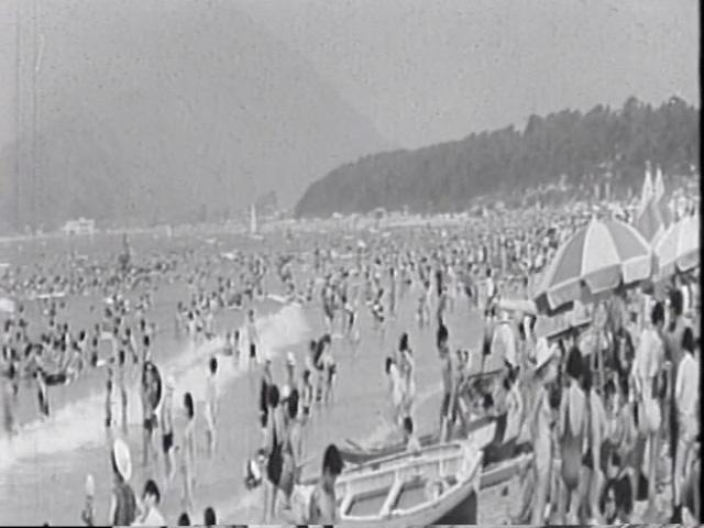 県政ニュース「若狭ビーチの夏」より